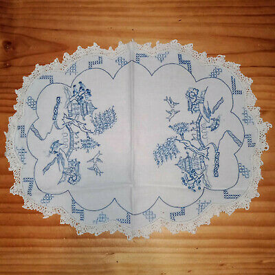 Beautiful Vintage Hand Embroidered Blue Willow Centrepiece Doily Crochet Edges