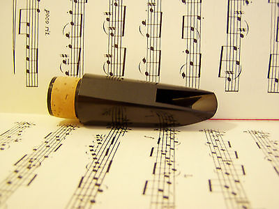 Clarinet mouthpiece  (Made in England).