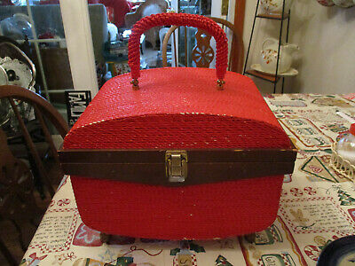 "Vintage ""Singer"" Red Train Case Style Sewing Basket w/Feet"