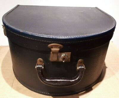 LOVELY VINTAGE NAVY BLUE HAT BOX with check lining