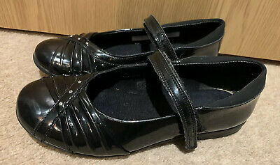 Clarks Girls Black Patent Leather School Shoes Uk Size 1.5 F