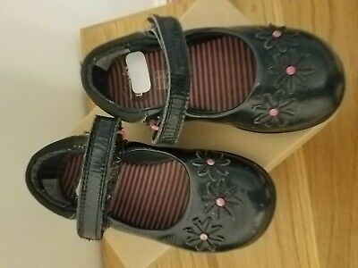 Clarks toddler size 7H girls navy patent shoes with pink centred blue  flowers