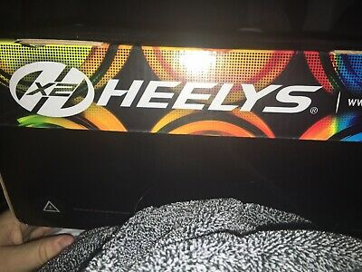Girls Wheel Shoes Genuine Heelys UK size 2 Brand New Condition Trainers