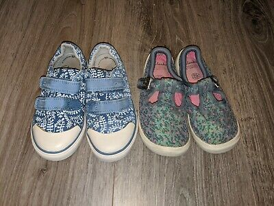 Girl's Clarks Doodles Trainers Bundle Size 9 1/2 F 9.5