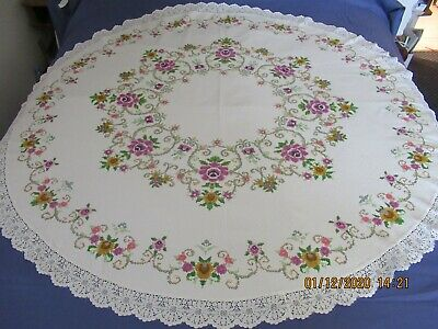 "ROUND VINTAGE TABLECLOTH PRINTED CROSS STITCH Approx 60-61"" diameter"