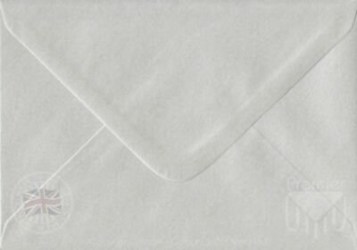"""Pearlescent Pure White 133mm x 184mm (5""""x7"""") 100gsm Gummed Card Envelopes"""