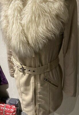 River Island Girls Coat Cream/beige with fur collar 12 years/ lovely (53)