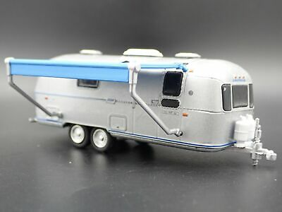 1971 Airstream Land Yacht Double Axle Trailer Camper  1:64 Diorama Diecast Model