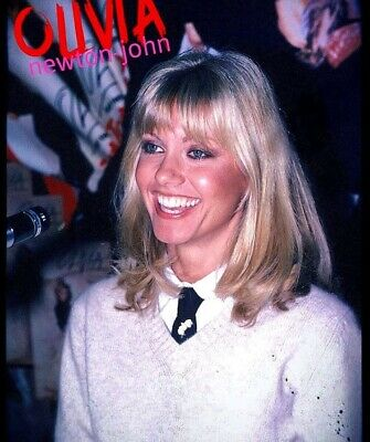 Olivia Newton John- Great Smiling Headshot !!! Great Eyes !!