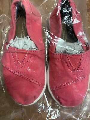 Girls TOMS Shoes Size 7T Pink Coral Summer Pumps Holiday