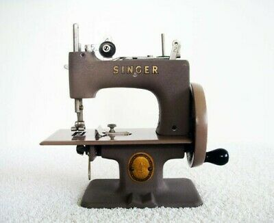 Vintage Singer Toy Hand Crank Sewing Machine