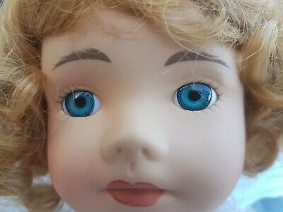THE CLASSIC COLLECTION PORCELAIN DOLL - JESSICA never been out of packet