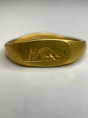 Ancient Roman Mouse Intaglio gold ring.