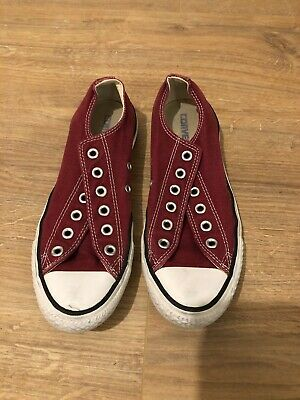 Red / Burgundy Converse size 6