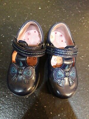 Startrite clarks girls blue shoes size 5f standard fit pretty bow design