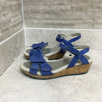 Clarks girls leather Suede sandals size UK 11.5 Kids