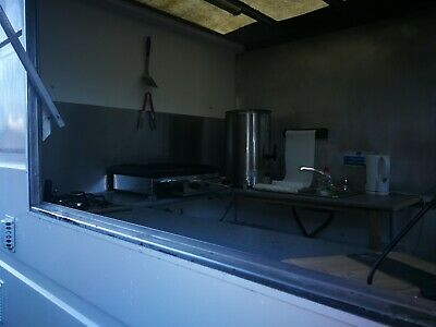catering trailer /hot and cold food