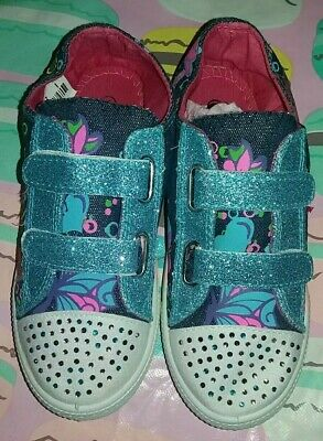 Brand new girls glittery trainers size 1 from shoe zone
