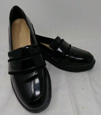 Clarks Black Patent Leather Flat Ladies Loafers - Size 6.5D - Lightly Worn   C2