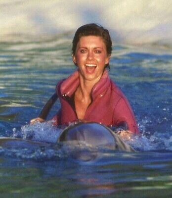 Olivia Newton John - Swimming With The Dolphins !!!