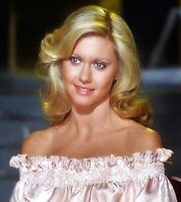 Olivia Newton John - Beautiful Headshot !!  She Is Do Pretty !!