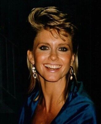 Olivia Newton John - Typical Headshot !!