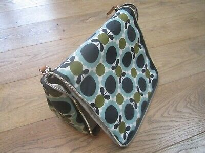 BNWT new Orla Kiely Scallop large hanging wash bag toiletries cosmetics.
