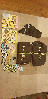 "Brownie Uniform Bundle chest 32"" hoodies books sash badges pins"