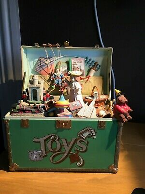 Vintage unusual musical box toy chest design