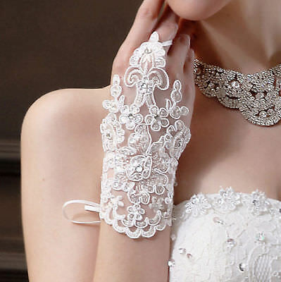 Fingerless short Bridal Gloves Lace Wedding Gauntlets Rhinestone Embroidery
