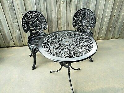 VINTAGE OUTDOOR CAST METAL TABLE AND CHAIRS PATIO CHAIRS TABLE GARDEN furniture