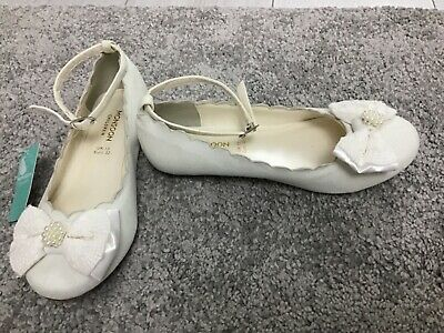 Bnwt Monsoon Girls Ivory Shimmer Bow Front Shoes Size 13