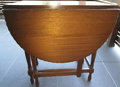 Antique oak drop leaf/gate leg table