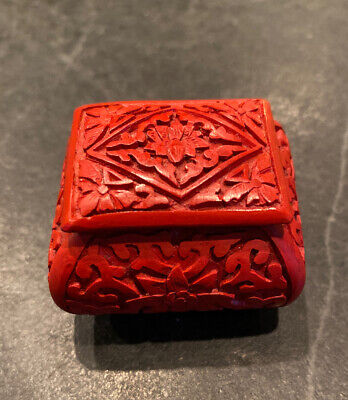 Antique Vintage Chinese Cinnabar Red Carved Small Ring Box Green Enamel Lidded