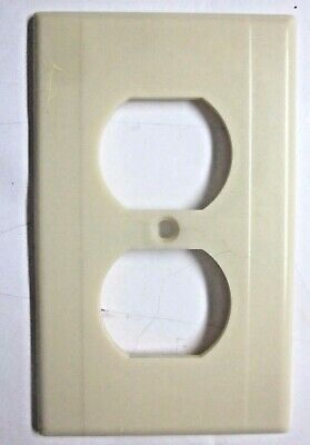 Leviton Outlet Wall Plate Cover Art Deco Beige Bakelite 2 Ribs See Cond. Vintage