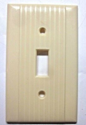 Reliance Switch Wall Plate Cover Ribbed Lines Beige Bakelite Art Deco Vintage