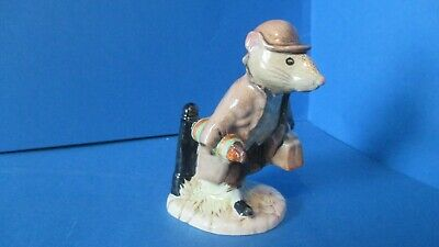 Royal Albert / Beatrix Potter Figure, Johnny town Mouse with a bag.