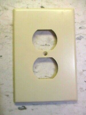 Leviton USA XL Jumbo Outlet Plate Wall Cover Smooth Ivory Bakelite 1 Vintage