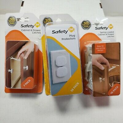 Safety First Plug Protectors 2 Cabinet & Drawer Latches
