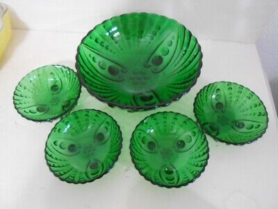 Fire King Forest Green Oyster and Pearl Master Berry and 4 Bowls-EX!