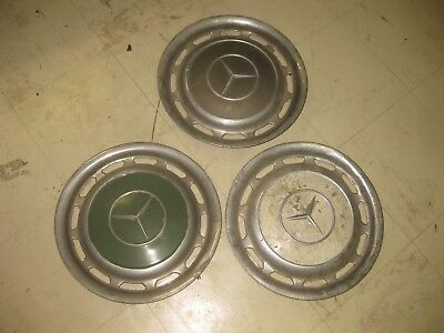 lot de 3 enjoliveur mercedes 220 250190 ????