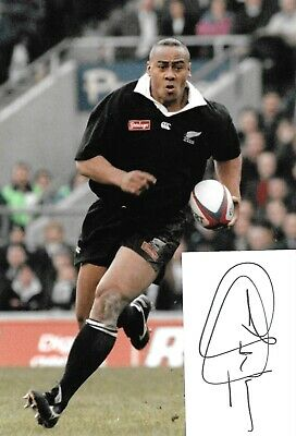 jonah lomu new zealand in action with rugby ball signed card with 12x8 photo