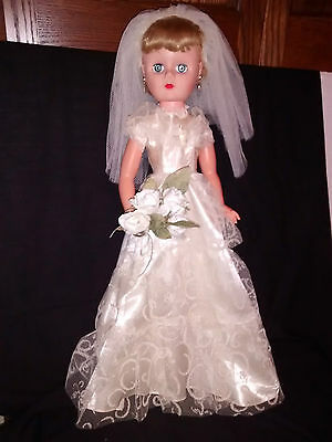 """Doll 25"""" Hard Plastic Bride all original fully dressed with shoes No Marks 60's"""