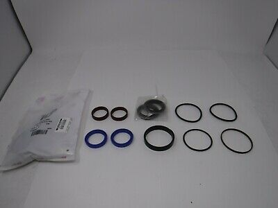 Agco 3484327 M92 Steering Cylinder Seal Kit *NEW*