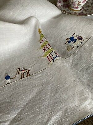 Vintage Handmade Embroidered Linen Tablecloth ⛩