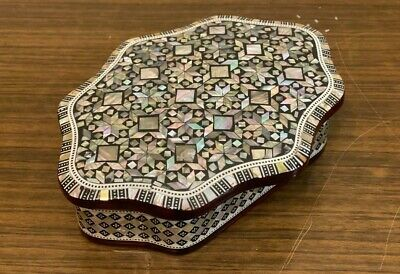 """Egyptian Handmade Wood Jewelry Box Inlaid Mother of Pearl (8""""x6"""")"""