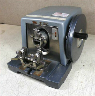 AO AMERICAN OPTICAL 820 SPENCER MICROTOME with BLADE HOLDER