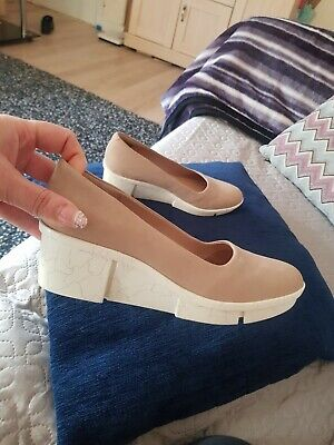 Clarks Uk4 D Nude And White Low Wedges