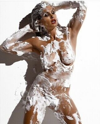 Cindy Crawford -Nude Except A Lot Of Shaving Cream !!!