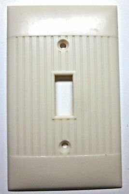 Sierra D1 Switch Wall Plate Cover Ivory Art Deco Ribbed Lines Bakelite 1 Vintage